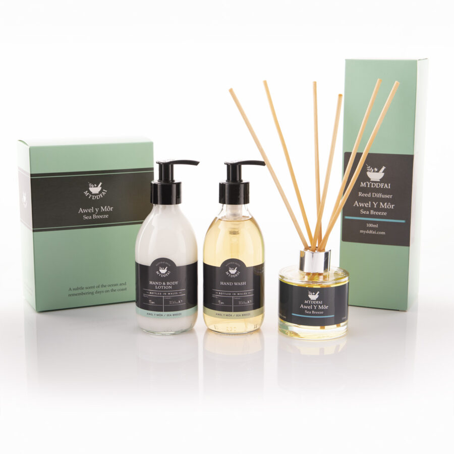 Awel y Mor room fragrance and hand care set
